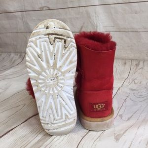 cc51aa76b15 Girls red Ugg short shearling boots 2